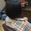 硬い髪質の方はある一定の長さになるとはねる時は切るかストレートか