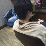 髪にクセがある方のスタイリングはツヤを出すスタイルのほうが楽