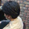 パーマのかかりにくい直毛の方にはロッドの回転数でカバーします