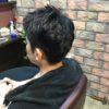 男性の短い部分の白髪は埋めるくらい塗らないと染まりません