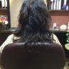 髪を伸ばしかけ、パーマをかけてイメージを変えたい