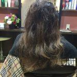 毛先の色が抜けた髪に色をいれるベージュ+グレイ